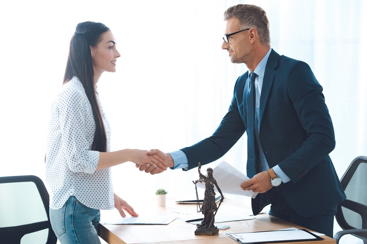 Top 6 Reasons Small Business Owners Need a Business Lawyer
